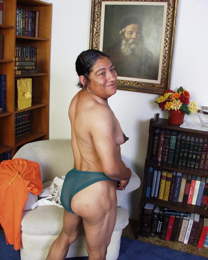 Latina granny pussy — photo 6