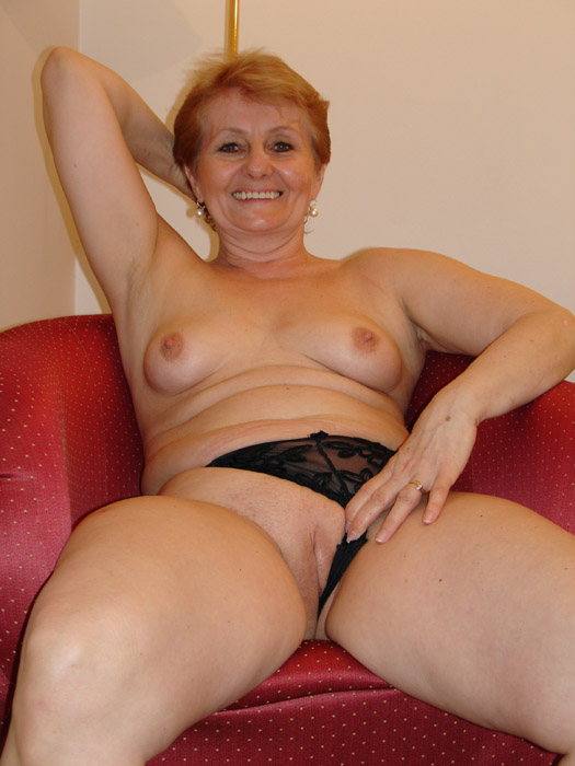 Older Women Stocking Seduction Hd