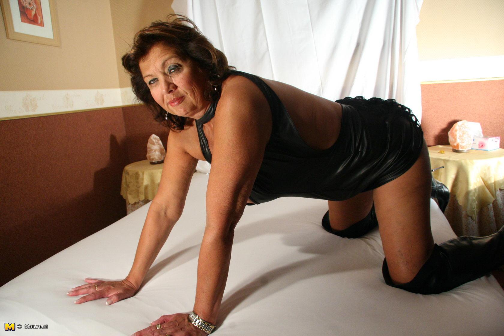 strip club babes nude