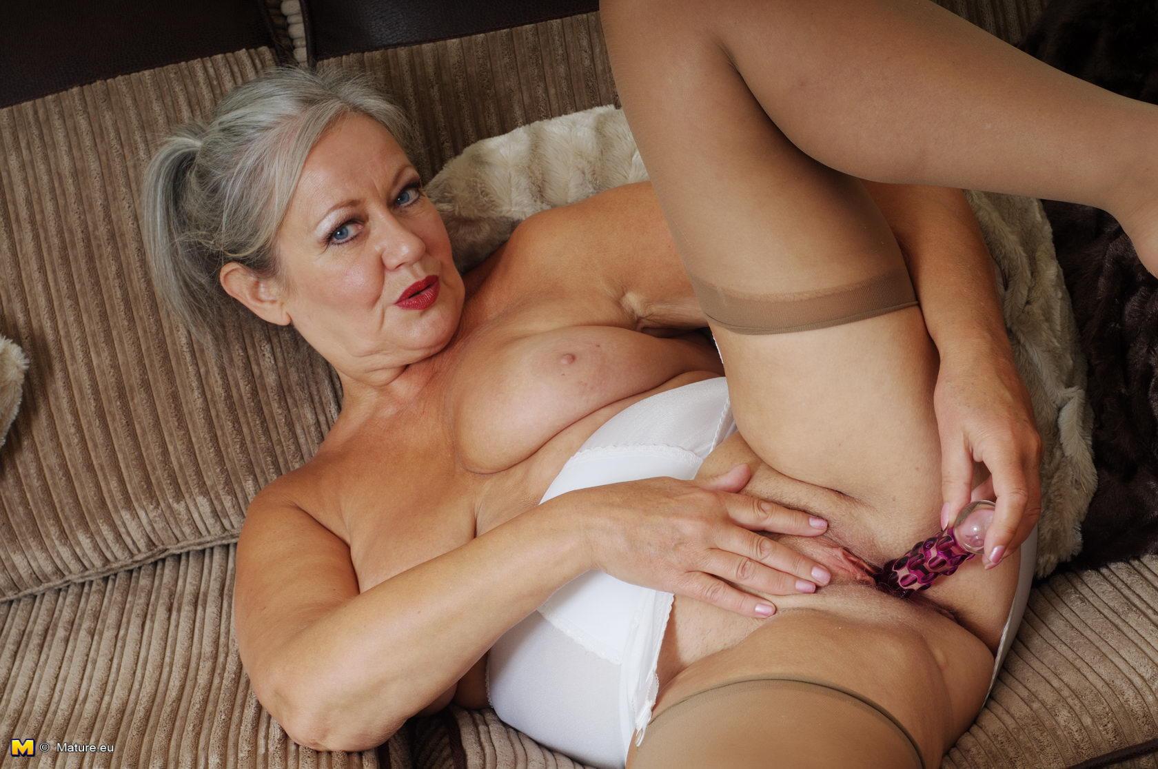 Naughty Mature Slut Getting Very Dirty Bu Herself Free Download