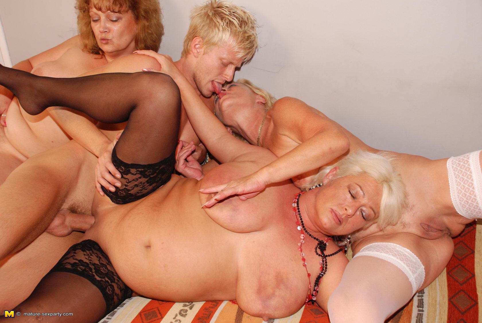 Русское порно зрелых женщин в hd качестве онлайн, Порно со зрелыми в HD, видео зрелые женщины в хд 10 фотография
