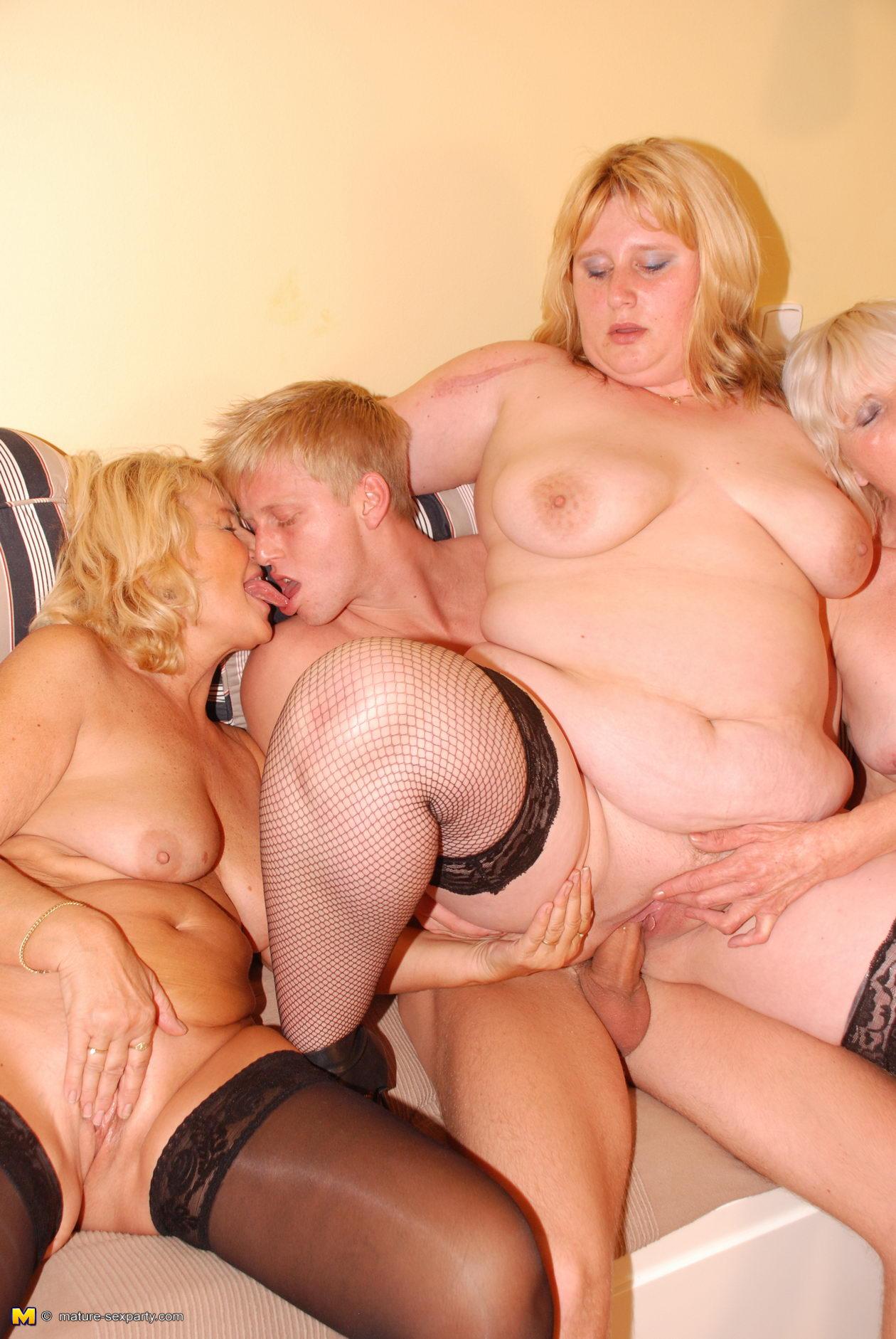 Моему мнению секс старых толстых женщин