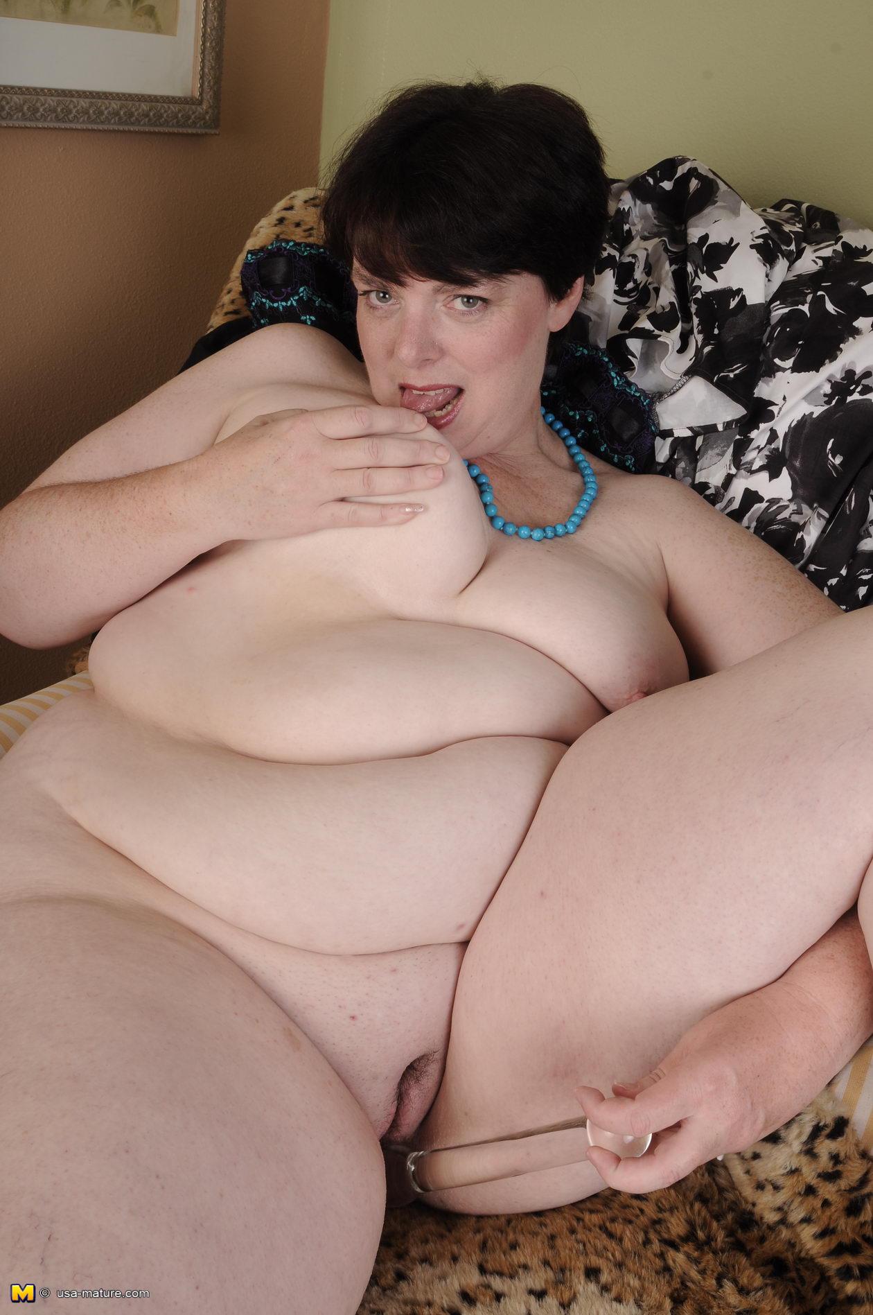 Фото жирных бабушек только голых 10 фотография