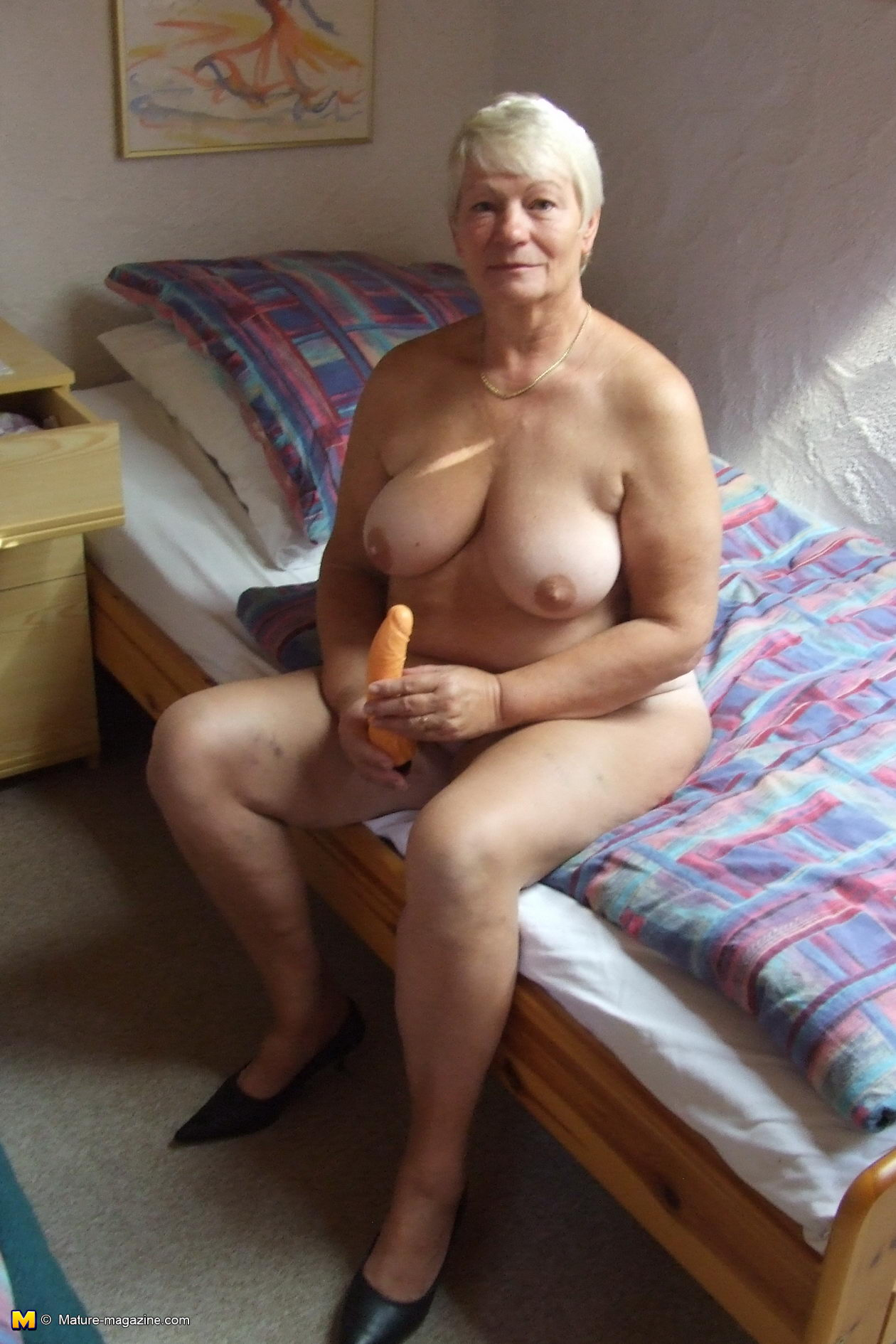 Think granny and her shaved pussy