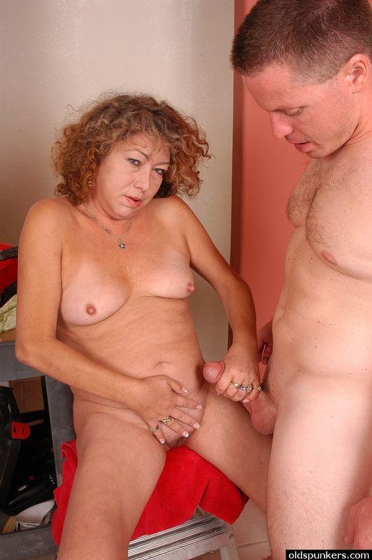 Hairy old sluts pics