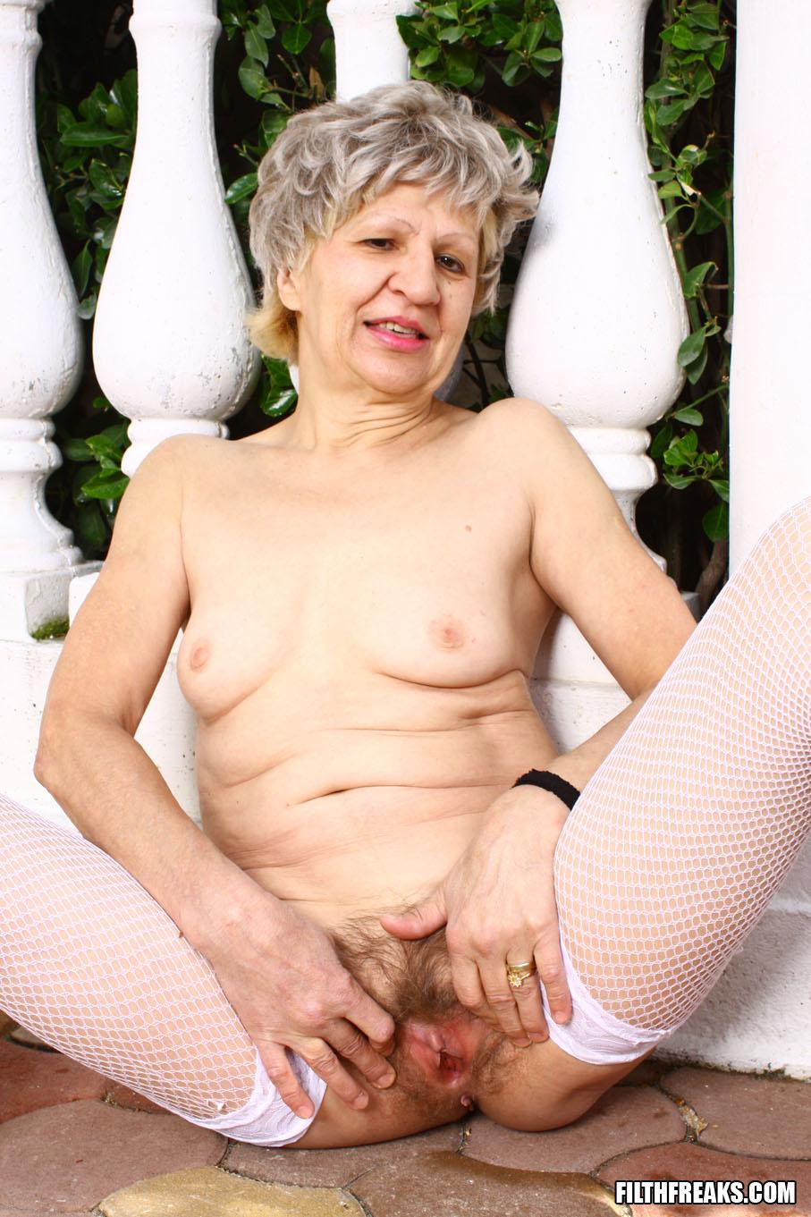Шлюха старая фото, секс оргазм моей девушки смотреть
