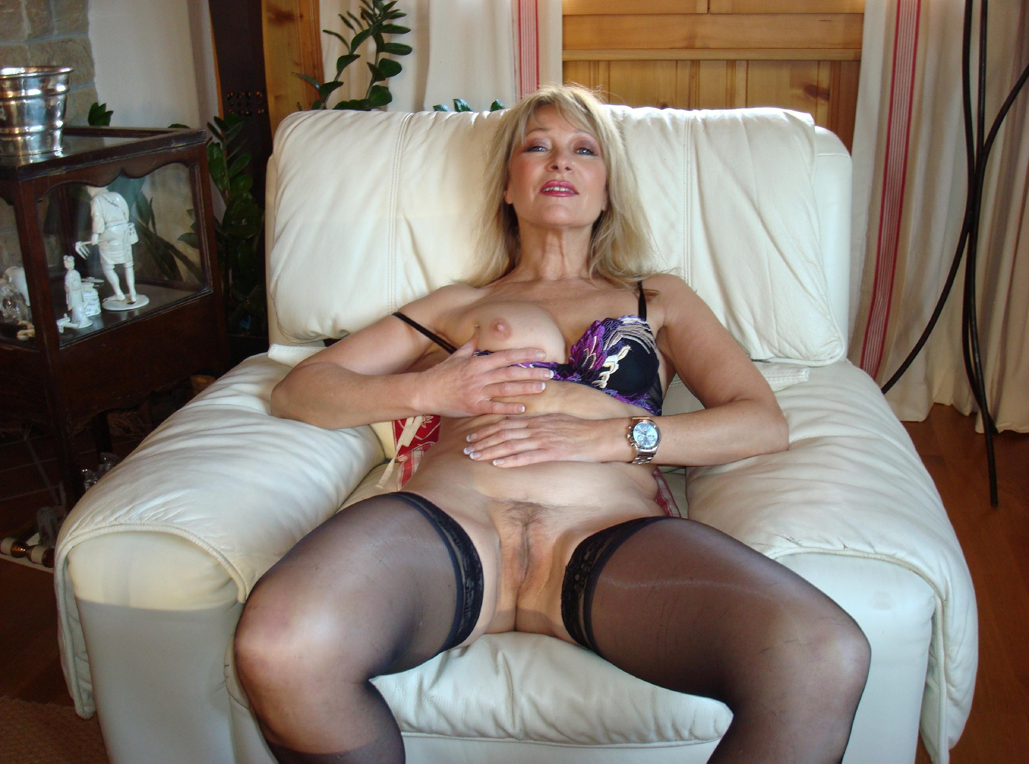 Amusing mature lady ready for fuck think already