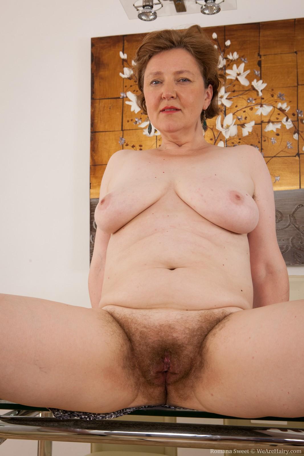 shaved milf porn pics