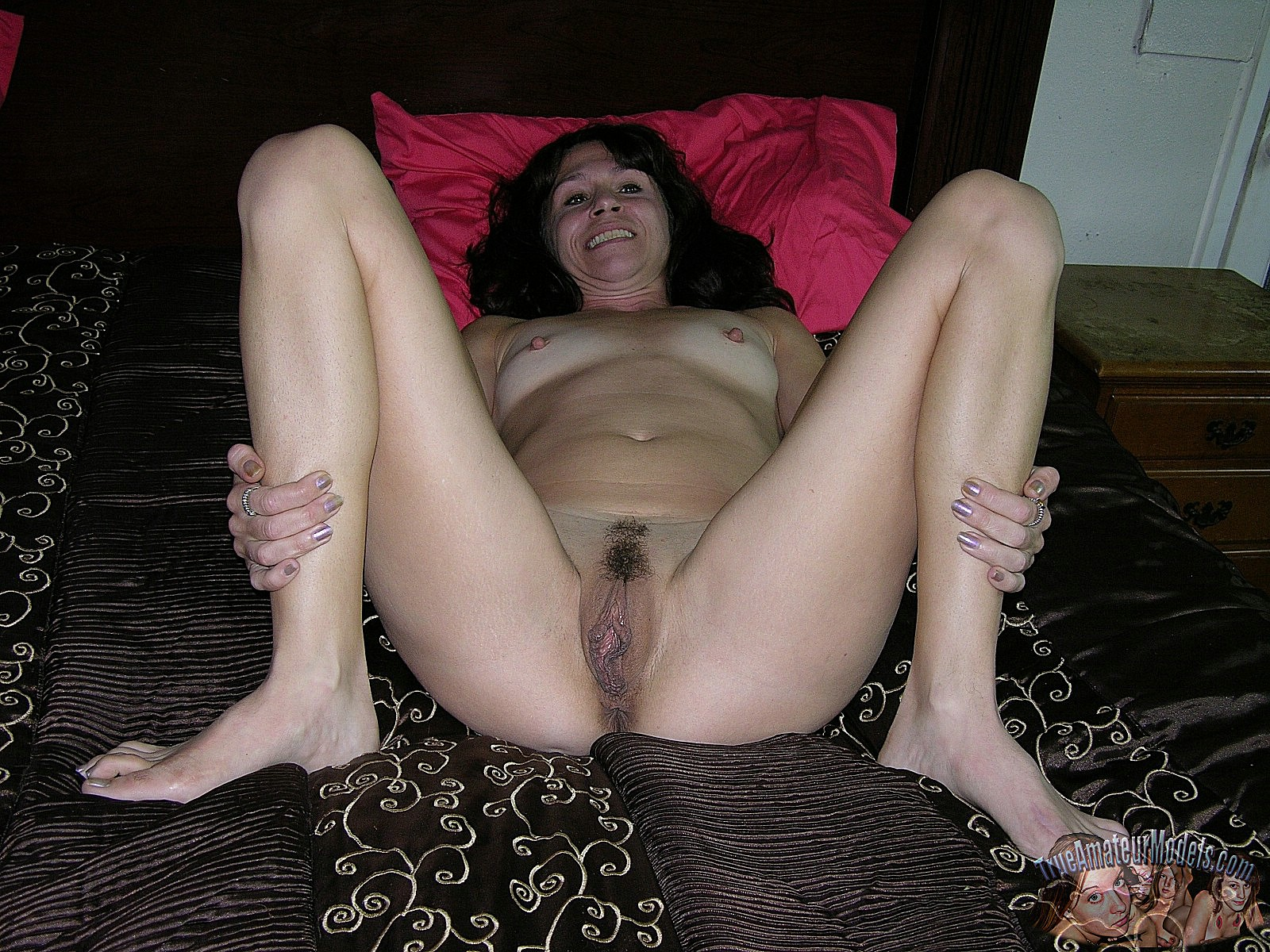 Real amateur nude girls pussy