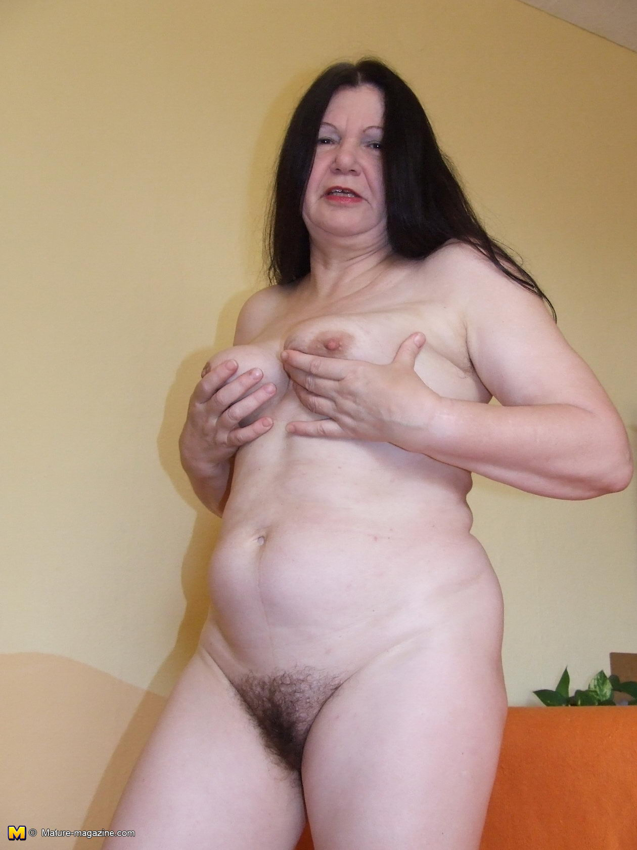 very old naked women