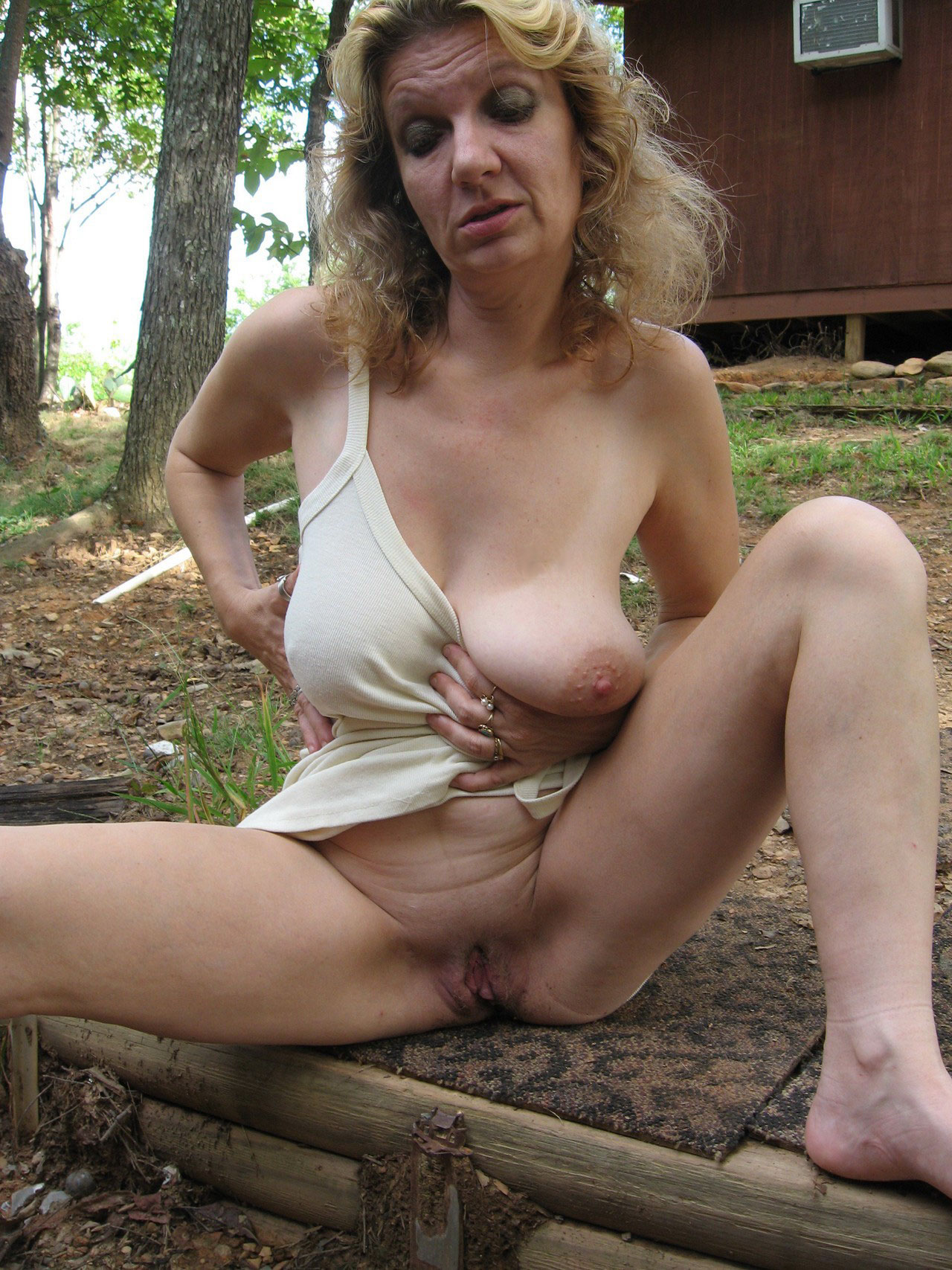 Milfs Nude Outdoors
